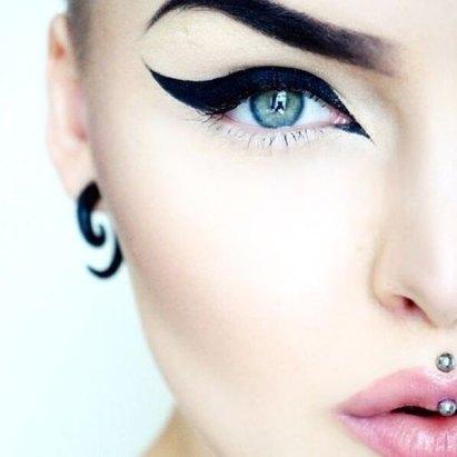 23220416-eyeliner-styles