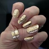24k-gold-nail-designs