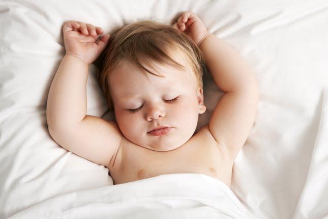 baby-sleeping beba spava