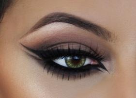 double-winged-eyeliner