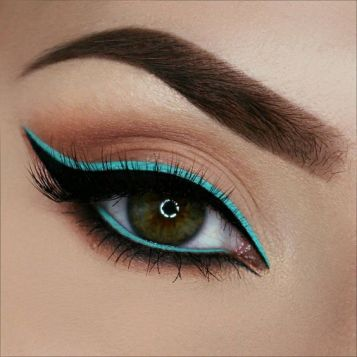 fun-eye-liner-styles-3