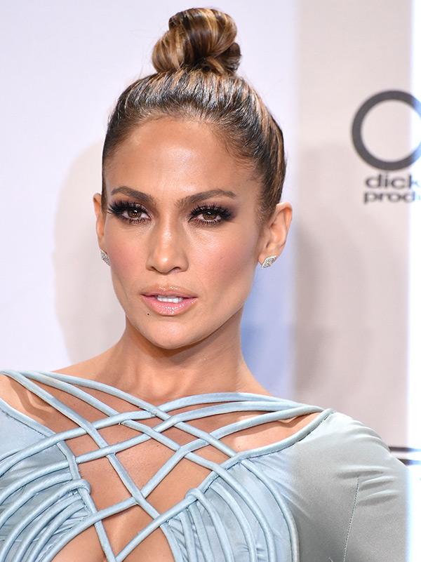 Jennifer Lopez Hair Bun Expert Says Ftr Moda I Tako To