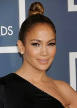 jennifer-lopez-high-bun-hairstyles-2