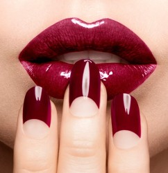 red manicure half moon