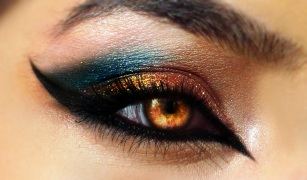 eye-makeup-for-brown-eyes-wallpaper-1