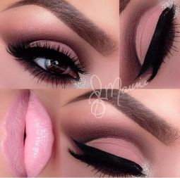 ligh-pink-eye-makeup