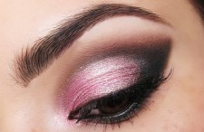 light-pink-eye-makeup