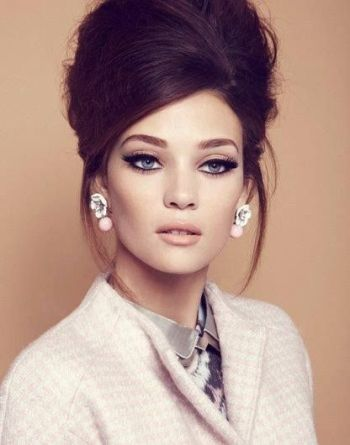 modern-sixties-updo-and-makeup1