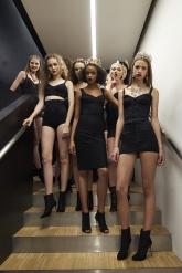 dolce-and-gabbana-summer-2018-women-fashion-show-backstage-36