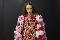 dolce-and-gabbana-summer-2018-women-fashion-show-backstage-61