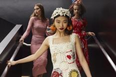 dolce-and-gabbana-summer-2018-women-fashion-show-backstage-63