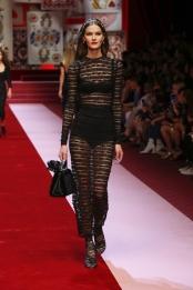dolce-and-gabbana-summer-2018-women-fashion-show-runway-10
