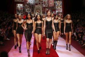 dolce-and-gabbana-summer-2018-women-fashion-show-runway-107