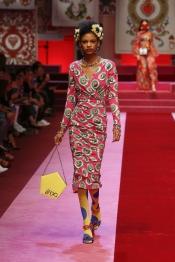 dolce-and-gabbana-summer-2018-women-fashion-show-runway-27