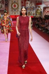 dolce-and-gabbana-summer-2018-women-fashion-show-runway-95